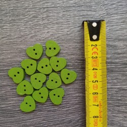 Set of wooden buttons, hearts, green