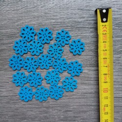 Set of wooden buttons, daisies, blue
